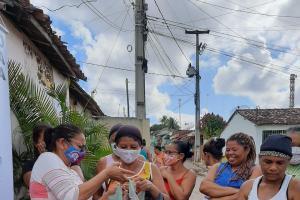 Mais alimentos são doados por famílias camponesas na Mata Norte de Pernambuco